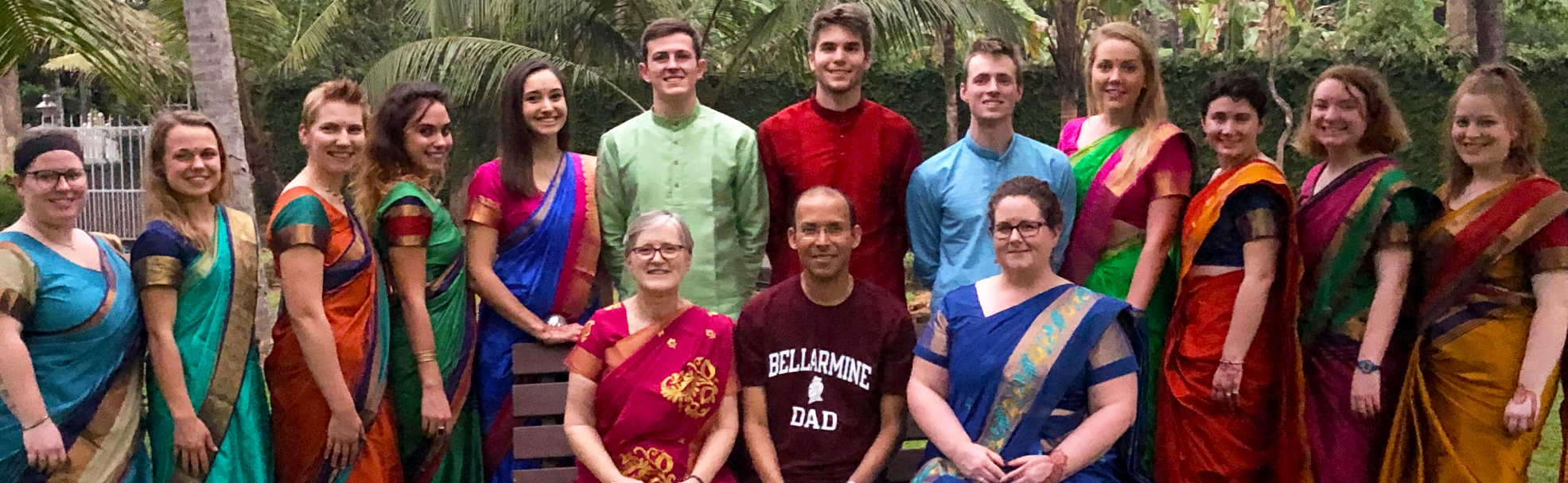 Bellarmine students and faculty/staff in India